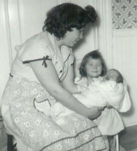 #63=Elliott crying with Mom and Brenda Smith, Jan. '54