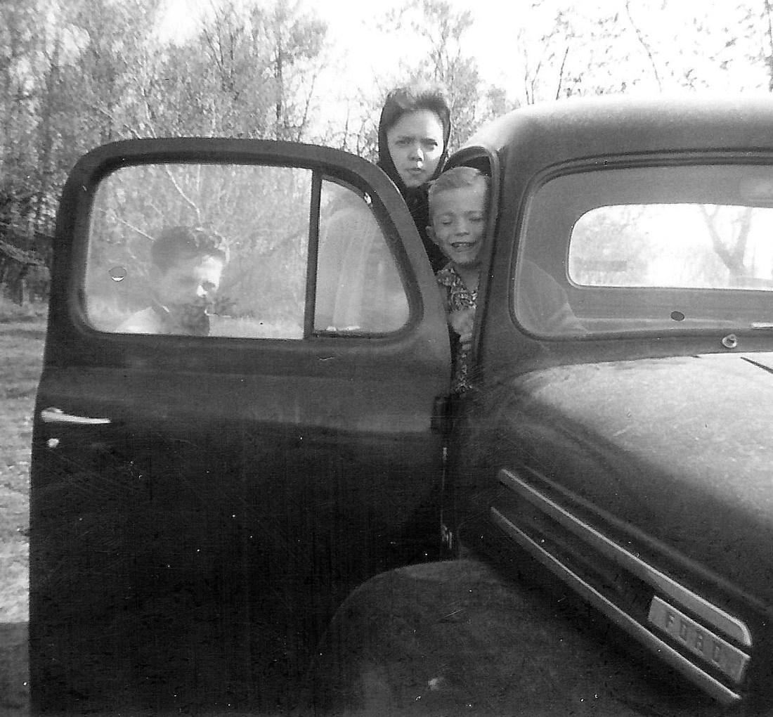 #66=Elliott, Lyle N.&Rosie in '50 Ford pickup,April '60