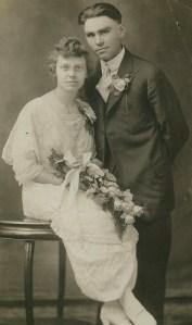 NS#13=Amanda&Clarence Sletten, pose2, Dec. 24, 1917