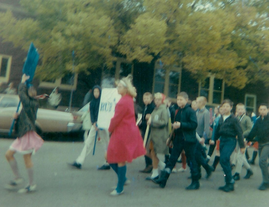#87=Elliott in HomeComing parade, October 1965