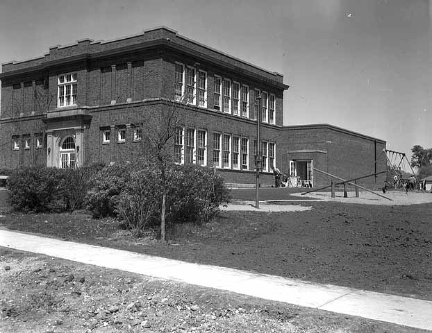 #935 Kiester Grade School.