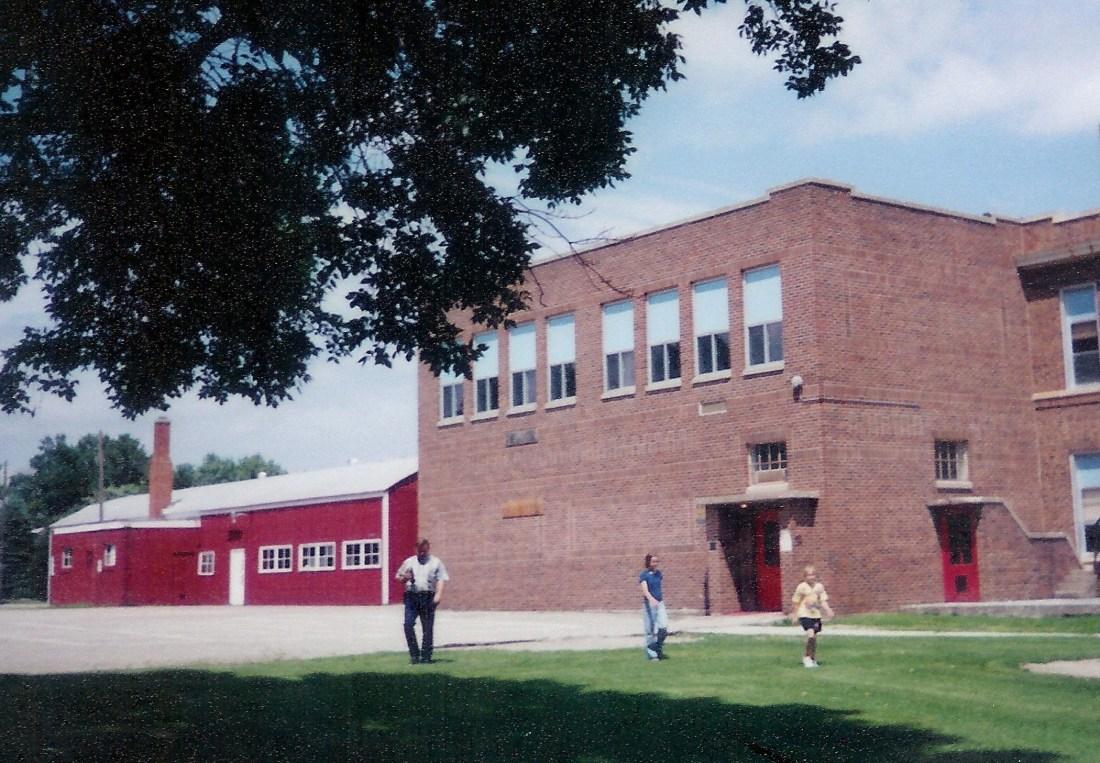 #193=Elliott & girls at Kiester School; June 1998