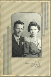 #21=Russell & Clarice Noorlun(Wedding Day, June 21st,'41)