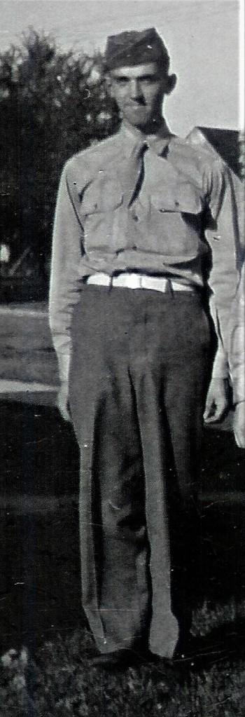 #384.1=Slettens and children in Albert Lea, MN; circa 1943