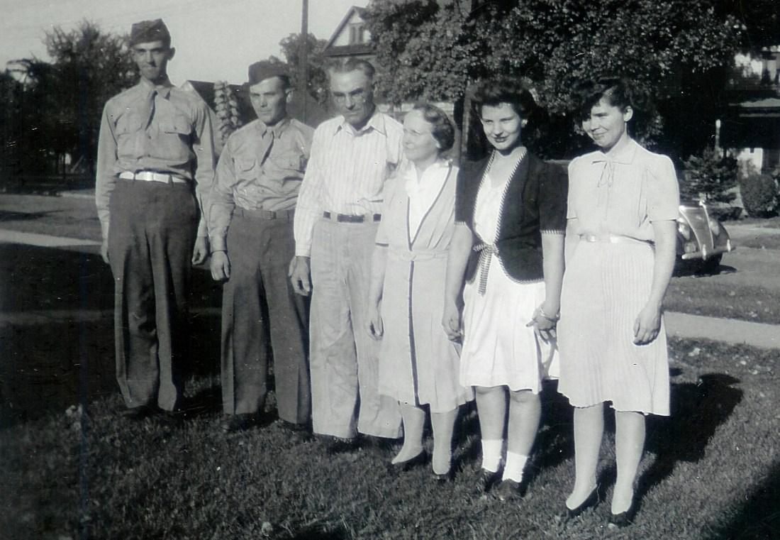 #384=Slettens and children in Albert Lea, MN; circa 1943
