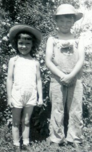 #311=Rosemary&Lowell, front yard, MN; May 1950