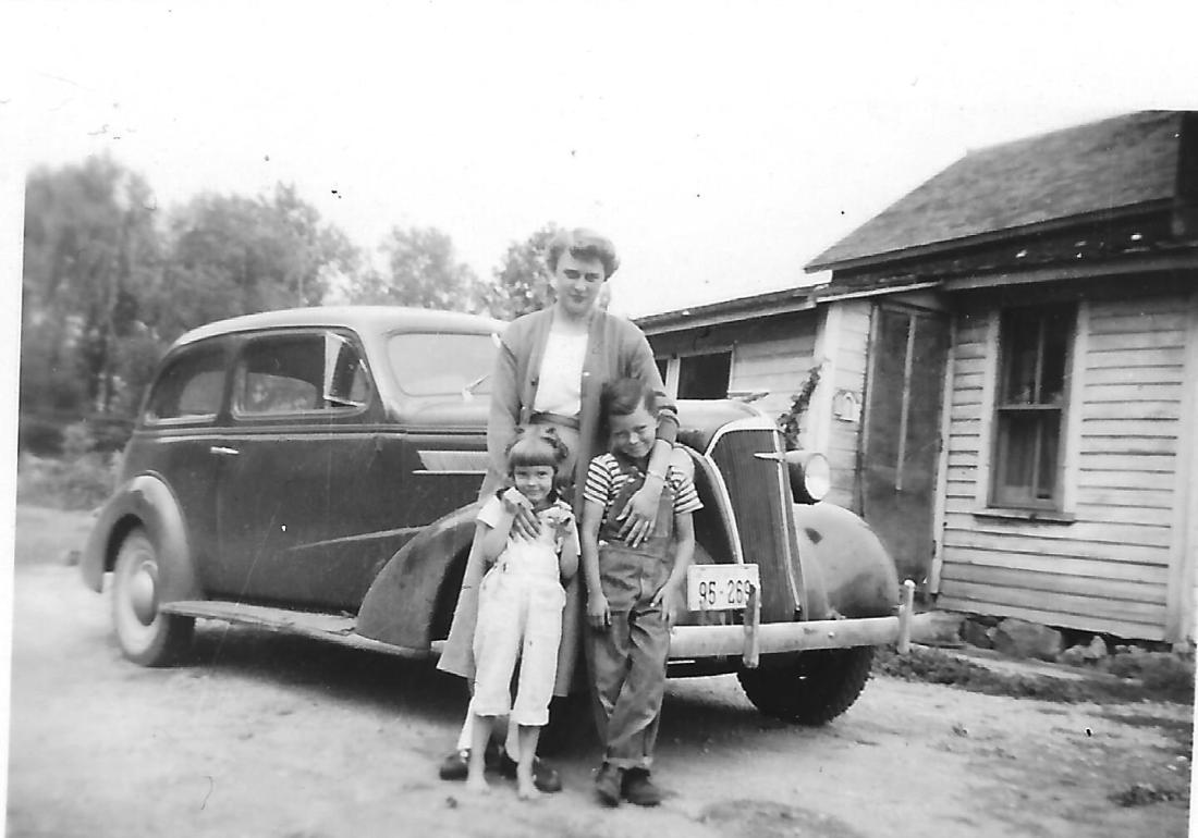 #914 1950 Lowell n Rosie w Janet Ozmun