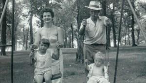 #106=Elliott, Dad, Aunt Bev & Brenda at Phil's Park