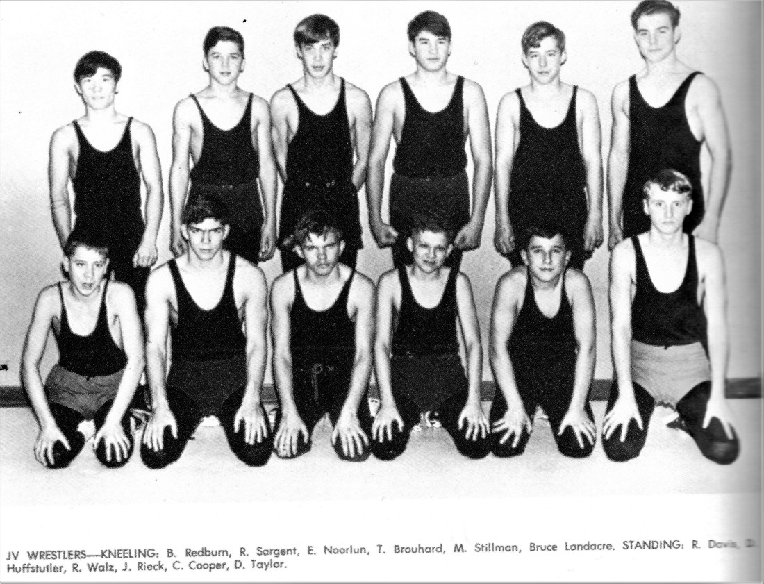 #1068 BGHS 1968-69 El on Wrestling Team 001