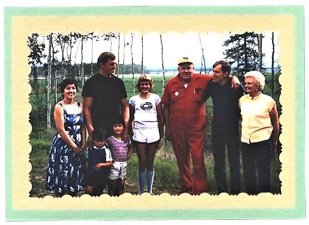 #917 Barney Hollembaek family