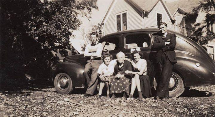 #2009 Russ, Doris, Kjersti, Ileen n Ray Noorlun. Circa 1940