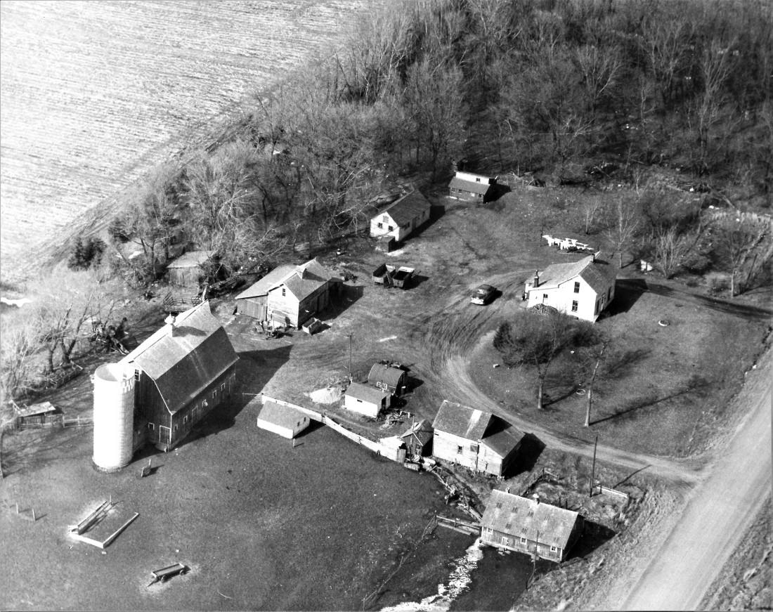 #668a Aerial of Kiester farm 001