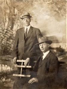 #894 Edwin Noorlun & friend. Circa 1914